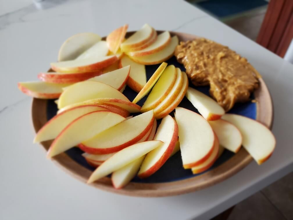 plate of apples and peanut butter